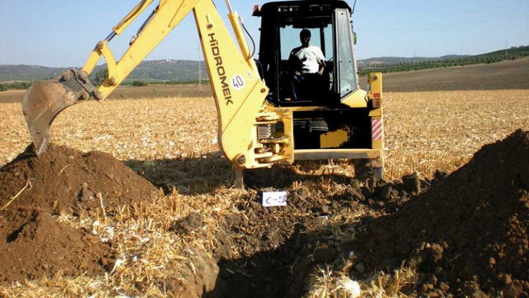 Calicatas geotécnicas: Uso, muestreo y ventajas e inconvenientes